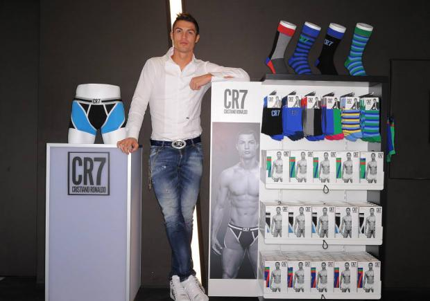 Cristiano ronaldo present su marca de ropa interior el comercio - Ropa interior real madrid ...