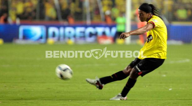 Ronaldinho Ratifico Que Aun Desea Jugar Futbol Profesionalmente El