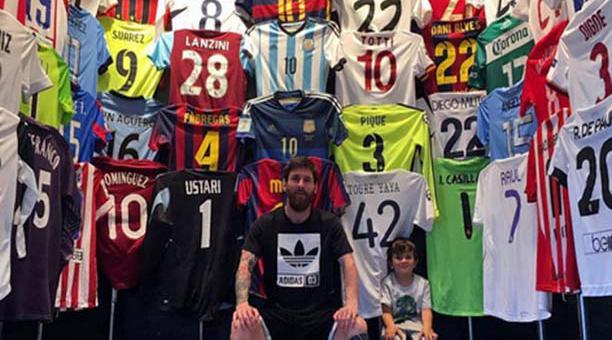 Messi mostró su colección de camisetas de fútbol en Instagram ... 72e3110b2bc