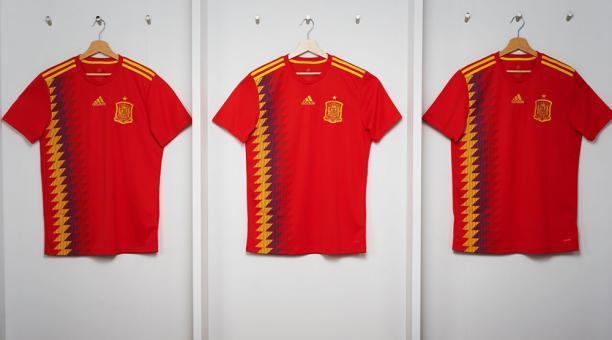 2fb73c1bdafd1 Gánate camiseta oficial de España que utilizará en el Mundial 2018 ...