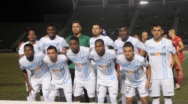 aac00bd40c4a8 El equipo de Universidad que se enfrentó a River Ecuador el 3 de marzo del  2017