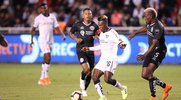 Jhojan Julio dejó las muletas y espera volver a jugar pronto en Liga |  Bendito Fútbol