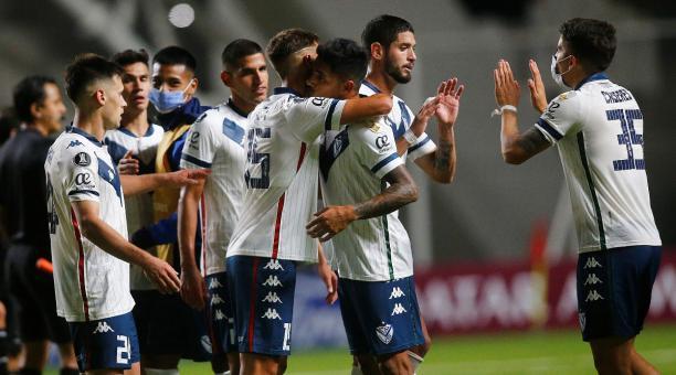 Vélez venció a Unión La Calera y pone presión a Liga en el Grupo G    Bendito Fútbol
